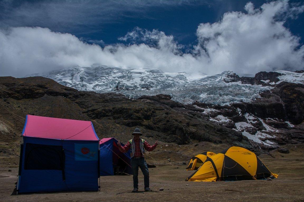 accampamento-trekking-in-perù-ausangate-altitudine