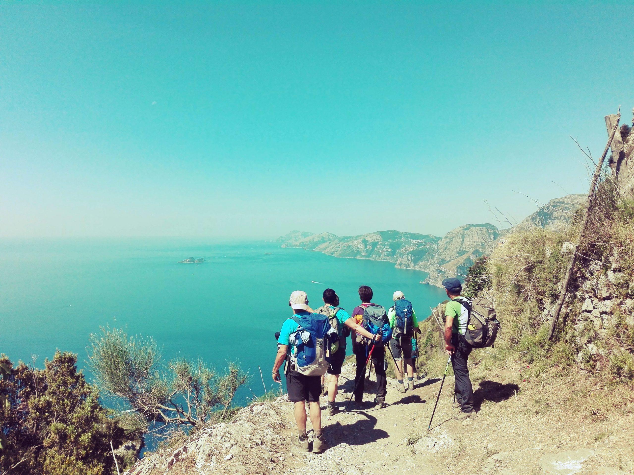 vista-costa-amalfitana-durante-il-trekking