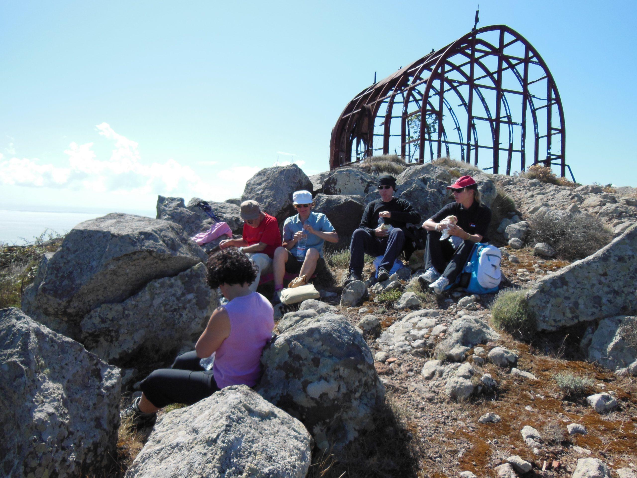 https://www.trekkilandia.it/wp-content/uploads/2020/06/Trekking-Capraia-2013-037-scaled.jpg