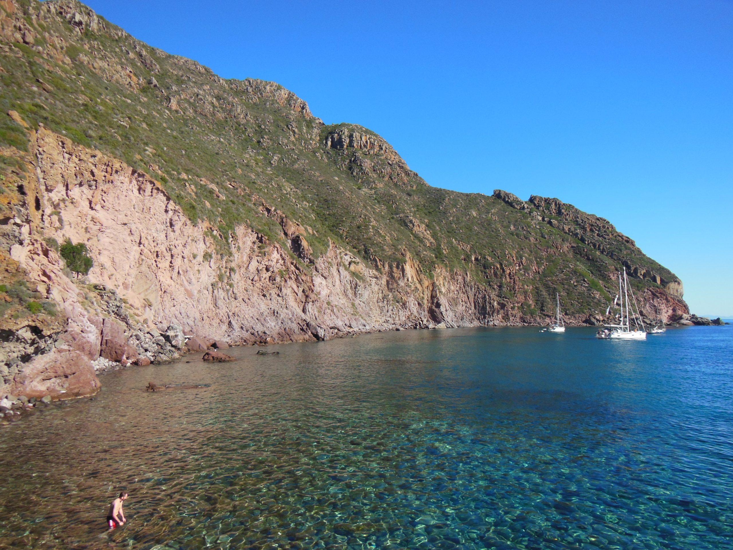 Trekking a Capraia | Trekkilandia