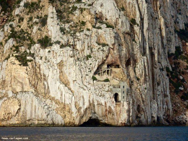 masua-porto-flavia-miniere-nel-blu-cammino-minerario-di-santa-barbara-in-sardegna