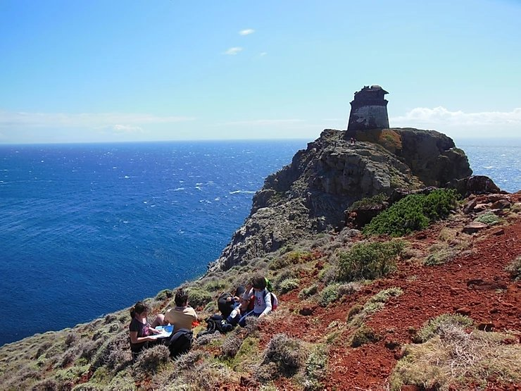 https://www.trekkilandia.it/wp-content/uploads/2020/07/mille-ed-uno-motivi-per-visitare-capraia.jpg