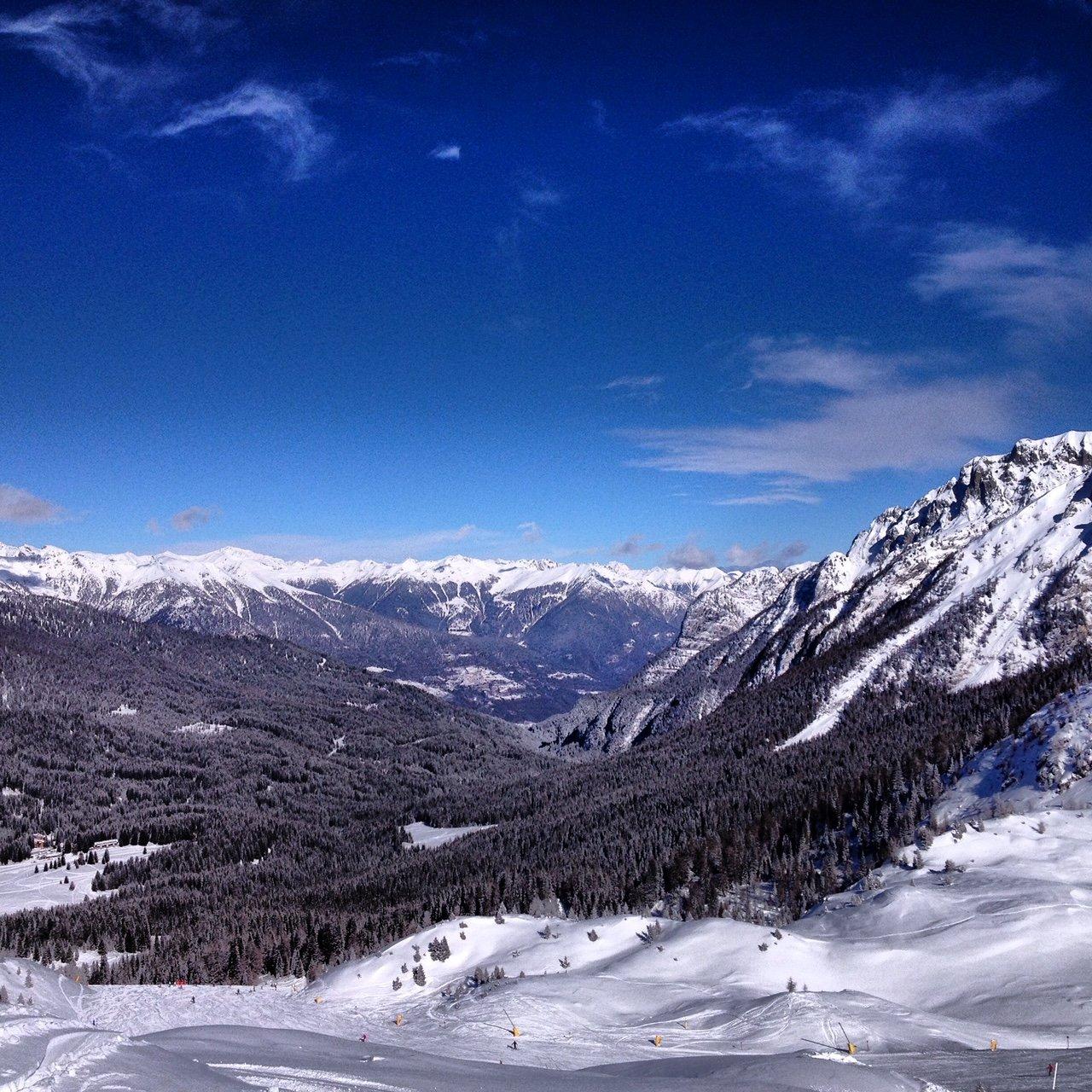 Questo è uno dei magnifici panorami che incontreremo sciando in Val Badia