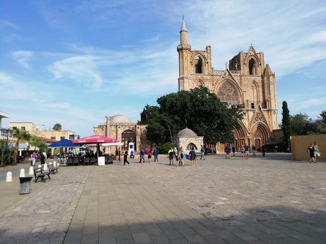 piazza-e-moschea-di-famagosta