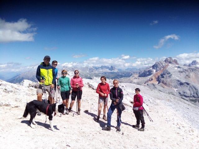 dog-trekking-in-dolomiti-vetta-croda-del-becco