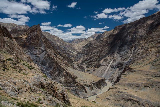 panorami-ladakh-montagne-canyon-fiume-zanskar